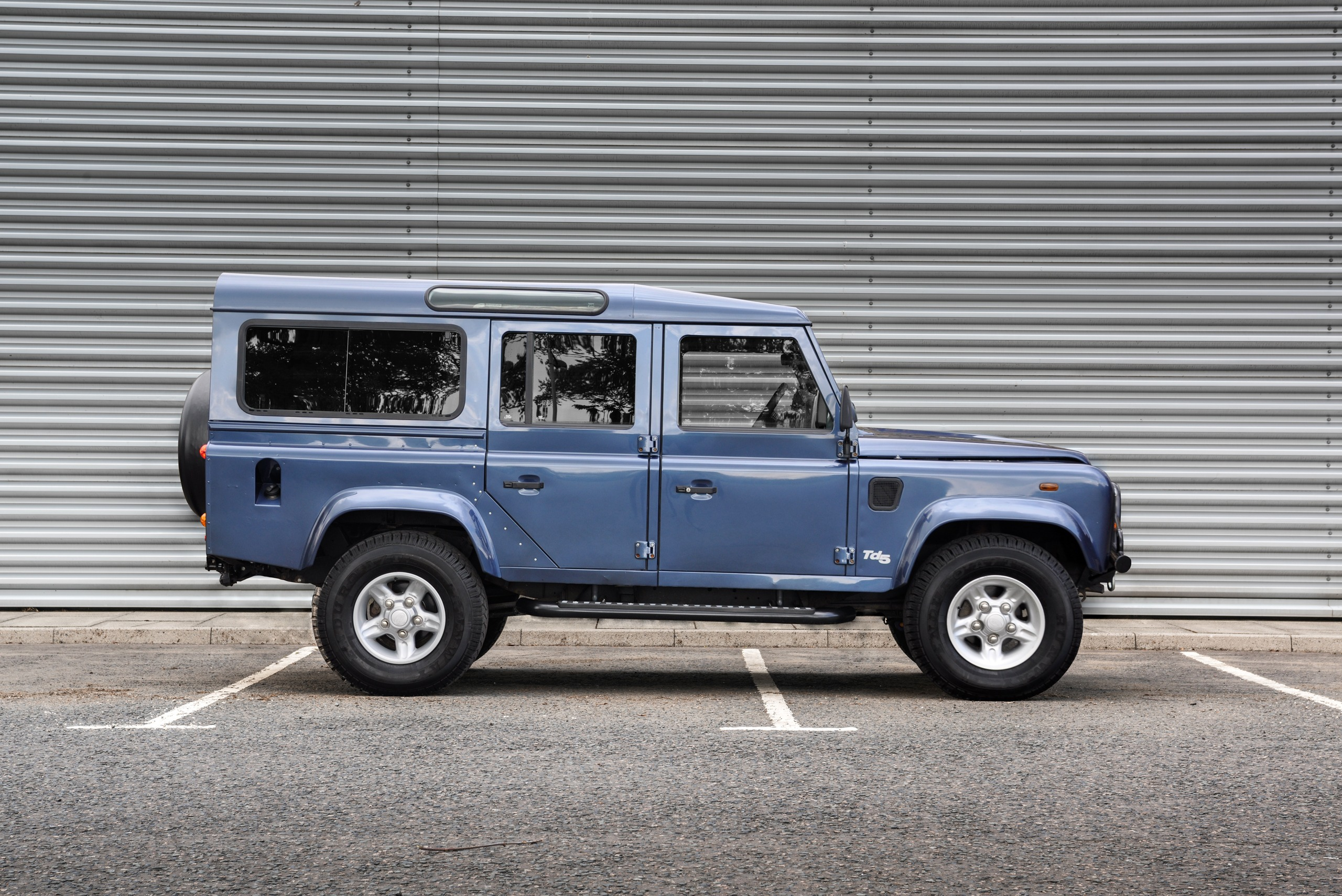 Juxtapose blue defender 110 before modification